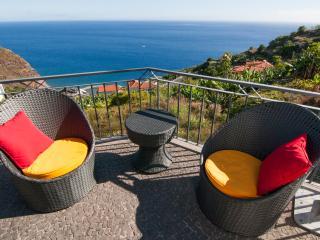 Casa Nici, uma vista magnífica sobre as montanhas do mar, Arco da Calheta