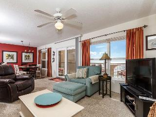 #7004:Lavish retreat location-full kitchen,WiFi,FREE BEACH Service & more!*, Fort Walton Beach