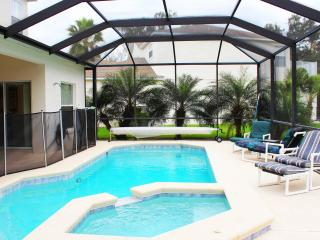 Talia Villa - superb lakeside home with pool/spa, Kissimmee