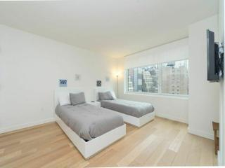 Sophisticated Amenities - Spacious 2 Bedroom Apartment in New York