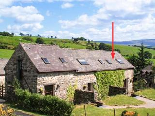 ARFRON, pet friendly, character holiday cottage, with a garden in Betws-Y-Coed, Ref 1519, Betws-y-Coed