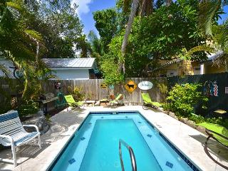 Coconut Palm - 3 BR Home Near 'Hemingway House' Private Pool. Huge Patio Area, Key West