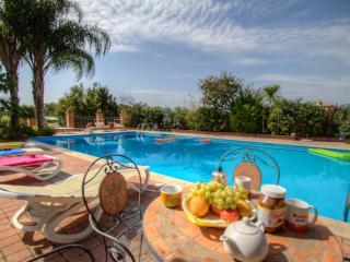 SPA Thermal pool garden luxury villa bbq airco, Castelforte