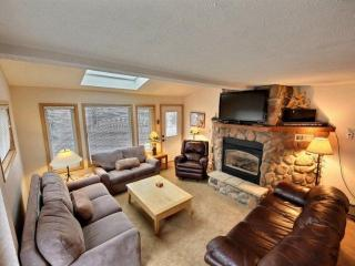 Sunset One-comfort+convenience=joy!-250 yds to Main St/Lift-Bus Stop-CAN'T BEAT, Breckenridge