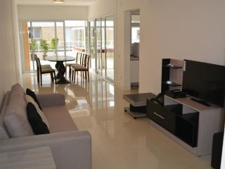 Linda cobertura com 3 dormitórios e acesso à praia, Campeche