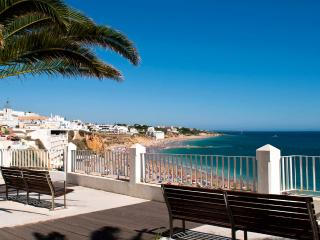 2 Bed Old Town 500m from Beach *****, Albufeira