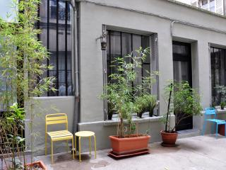 Loft/ little House /Marais X2 courtyard view + AC