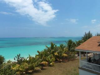 Secluded Area w/Private Beach: Queen Of Hearts, George Town