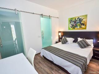 Modern Studio Apartment, Saint Julian's
