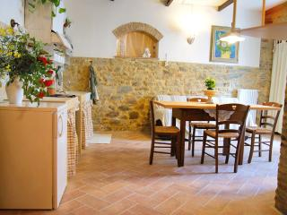 Romantic holiday apartment in the centre, Chianni