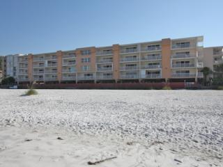 214 Holiday Villas-3 Bedroom/ 2 Bathroom Oceanfront Condominium-Indian Shores, FL