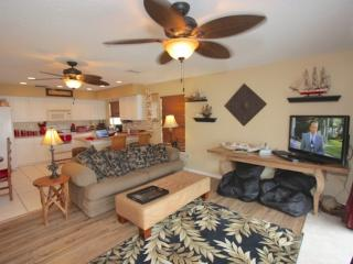 Beachside, Steps to Sand! W/D, Free Wi-Fi, Phone & Cable, Pool, Grill, Beach Gea