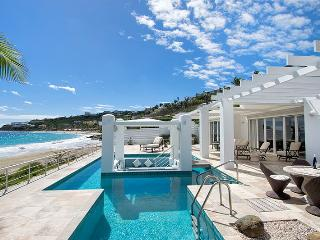 GINGER at Coral Beach Club... Beautiful 3 BR Beachfront Villa right on Dawn Beach!, Philipsburg