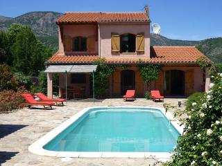 Villa Estelle, private pool, mountain views, wifi, Fuilla
