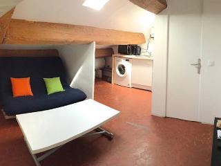 APPARTEMENT T2 SOUS LES TOITS GARE&PLEIN-CENTRE, Marsella