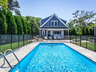 CANNM - Gorgeous Katama Family Compound with Pool, Ferry Tickets,  Separate Carriage House Apartment, Edgartown