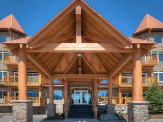 Canmore Stoneridge Luxury 2 Bedroom Family Condo with Pool and Hot Tub