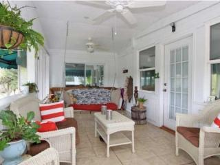 2 Mins to Beach. Inc Golf Cart. Pet Friendly
