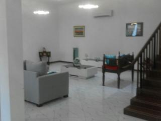 Executive Town House For Rent March - June 2016, Daressalam