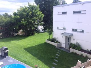 Small modern own house, 300 m from station