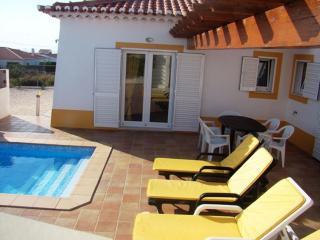 Vivenda Com Piscina - Algarve- Portugal, Aljezur