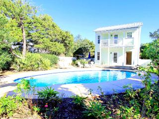 Wildwood Cottage-4BR-PRIVPool-RJ Fun Pass-Buy3Get1FreeThru5/26* AVAIL5/17-5/21-Walk2Bch!, Destin