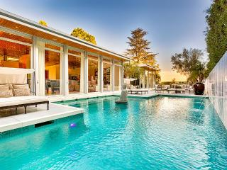 Villa Moderna, Sleeps 9, Los Angeles