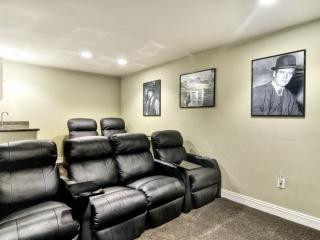 Theater room with 6 comfortable lounge chairs