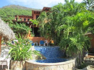 Accommodation for your holiday near beach, Ixtapa/Zihuatanejo
