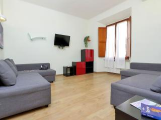 Modern CLS apartment in Termini Stazione with WiFi, airconditioning & balkon.