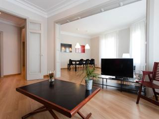 Modern Apt 4 rooms & 4 bathrooms, Barcelona
