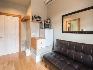Kitchen (Apartment 1)