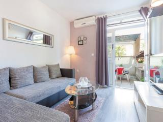 Kastel Stari Apt for 4 with Terrace