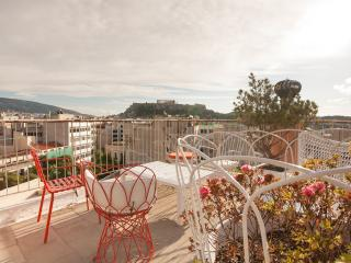 3 central apts. 1 location. Roof top. Great views.