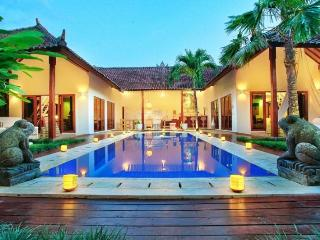 Gold Buddha Villa, Seminyak