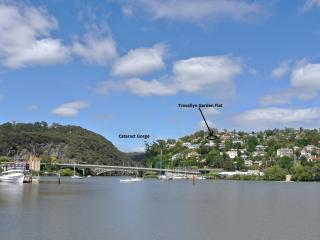 Comfortable 2 br flat with view close to the Gorge, Launceston
