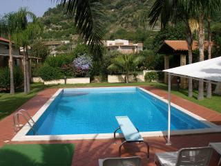Magnolia apartment whit pool, Savoca