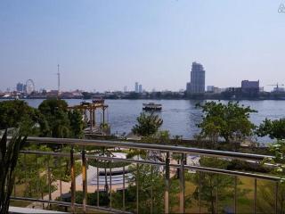 Stunning Riverfront Condo in BKK, Bangkok