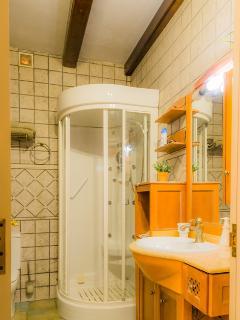 Baño completo, Con sauna, secador de pelo