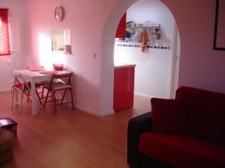 PIso 2 dormitorios semi-céntrico, reformado, Wifi, Tarifa
