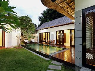 Villa Abimanyu II - 3 Bedroom Bali Holiday Villas, Seminyak
