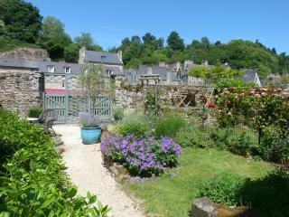 Millefleurs , back garden