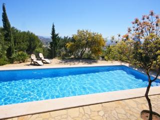 Villa Stefan - A quiet area with seaview and private pool.