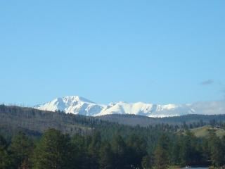 WESTCREEK RETREAT: PANORAMIC VIEW OF PIKES PEAK, Sedalia
