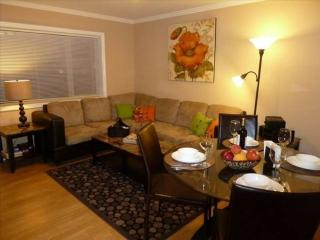 Comfort, Charm And Convenience By The Ocean - Fully Furnished, San Francisco