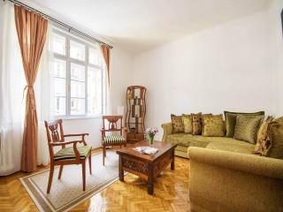 Top Central Apartment next to Republic Square!, Belgrade