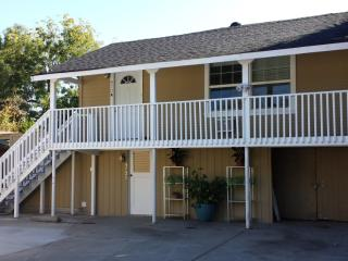 FURNISHED, Cozy 1 Bedroom, 1 Bath, 425 sqft, all utilities included + cable, AVAILABLE on 11/15/15!!!, San Jose