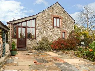 THE LITTLE BARN, one bedroomed cottage, woodburner, WiFi, off road parking, in Five Lanes, Launceston, Ref 917896