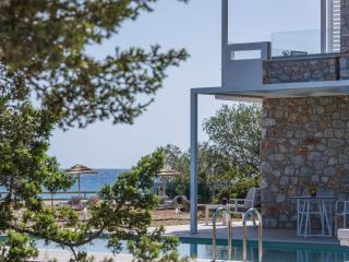 Kedros- Luxury Beachside Stone Villa, Crete