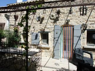 Maison des Reves avec Piscine Chauffee a 27° DROME Provencale Besignan